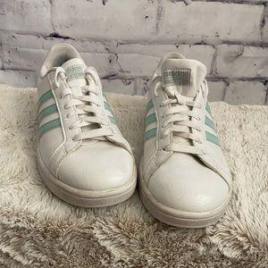 Adidas Cloudfoam white & sea foam sneakers
